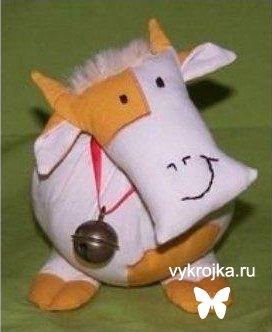 """Выкройка детской игрушки """"Коровка"""""""