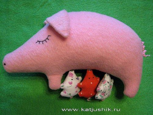 Мягкая игрушка  Свинка с поросятами